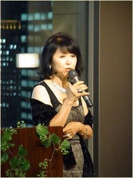 宮澤エマ 母