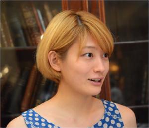 コムアイ 金髪