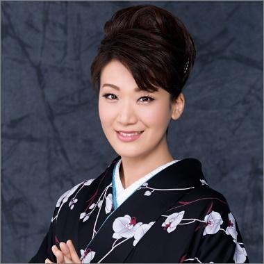 市川由紀乃 美人演歌歌手 画像
